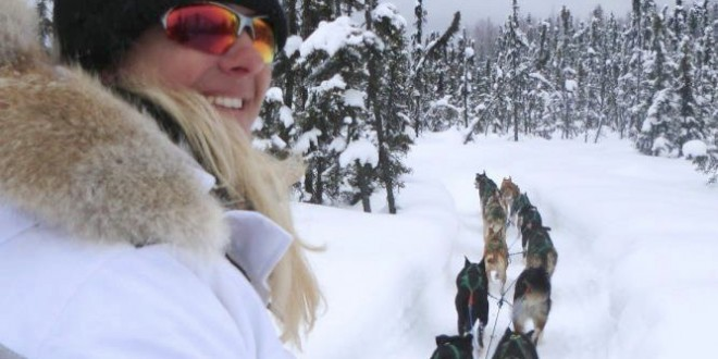 USA: Alaska Winter Adventure – Dogsledding, Snowmobiling, Hot Springs & Reindeer Dogs!